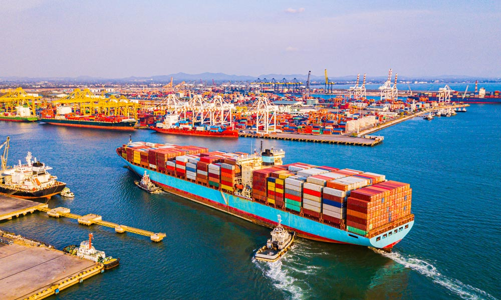 International Courier An Overview of Sea Freight Blog Image